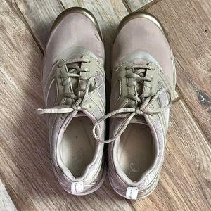 Easy spirit tan tennis shoes